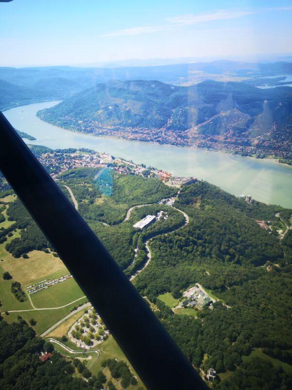 dunakanyar, Esztergom, sétarepülés, élményrepülés, repülés repülő, élmény, cessna 172, Budapest, Pilis, elmenyrepules.com