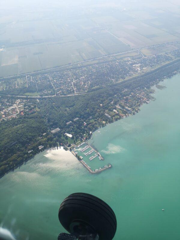 élményrepülés, sétarepülés, repülő, repülés, felhők felett, szentendre, esztergom, balaton, tihanyi-félsziget, velencei-tó, elmenyrepules.com